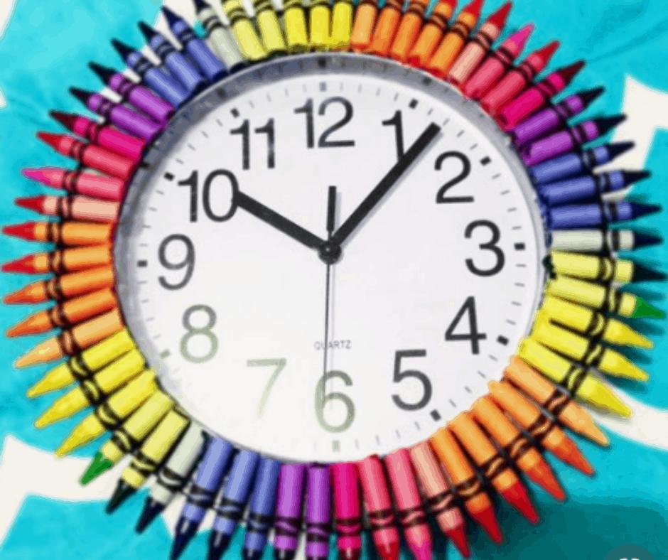 DIY Crayon clock