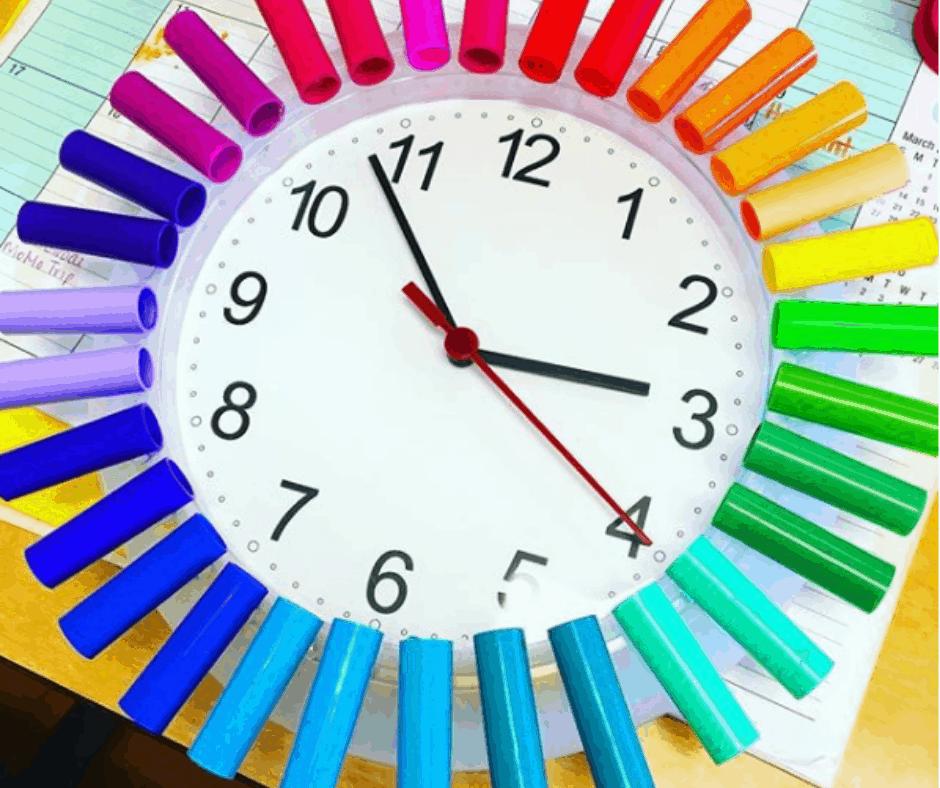 Marker pen lid DIY classroom clock