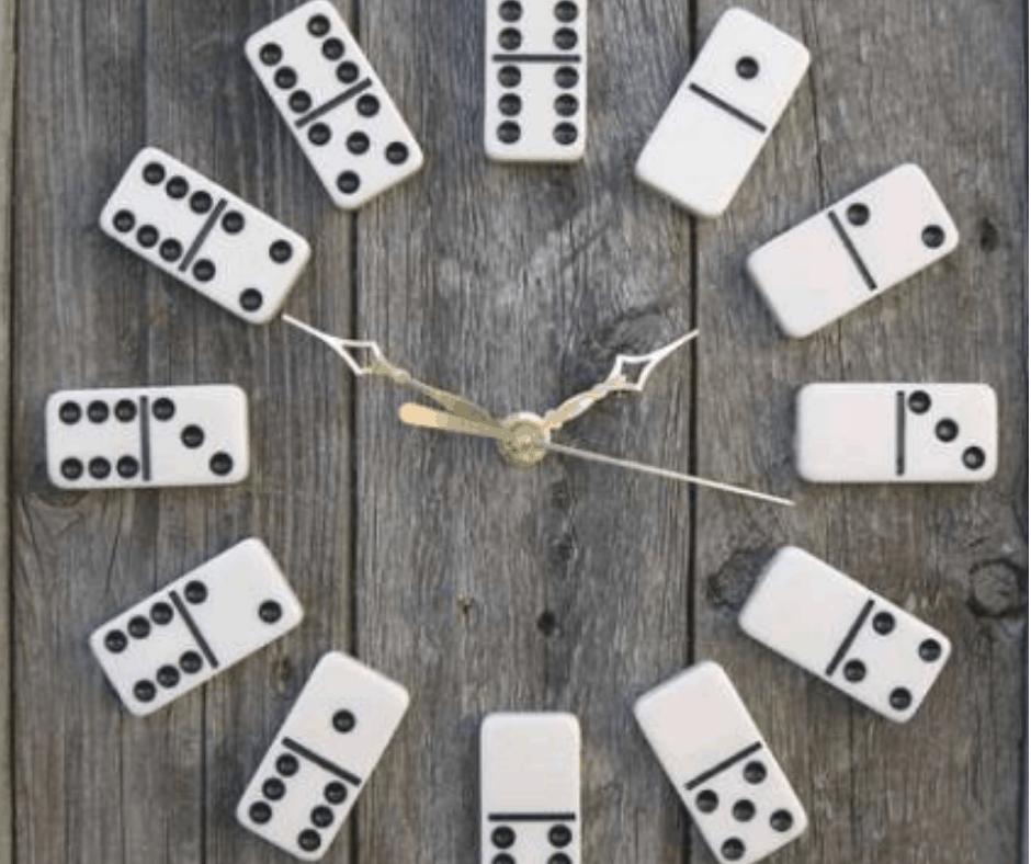 Classroom Domino clock Idea